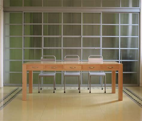 tavolo da officina officina tavoli da pranzo targa italia architonic