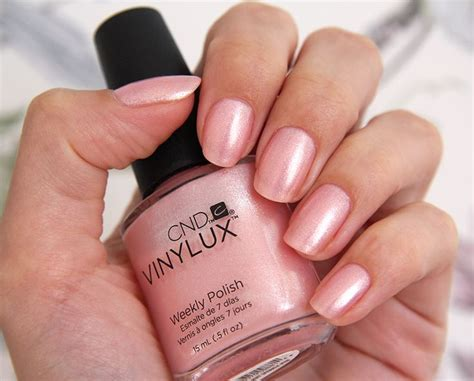 cnd vinylux topcoat and polish in grapefruit sparkle cnd vinylux grapefruit sparkle beauty pinterest