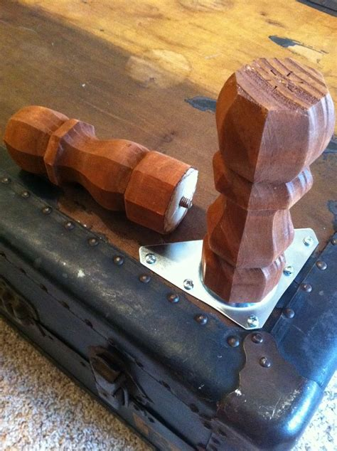 Adding Legs To A by 25 Best Ideas About Steamer Trunk On Trunks