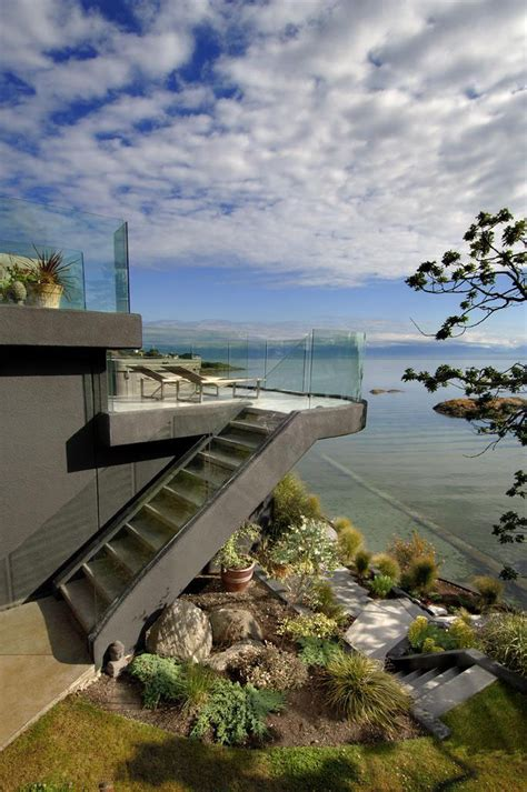 west coast modern beach house brings