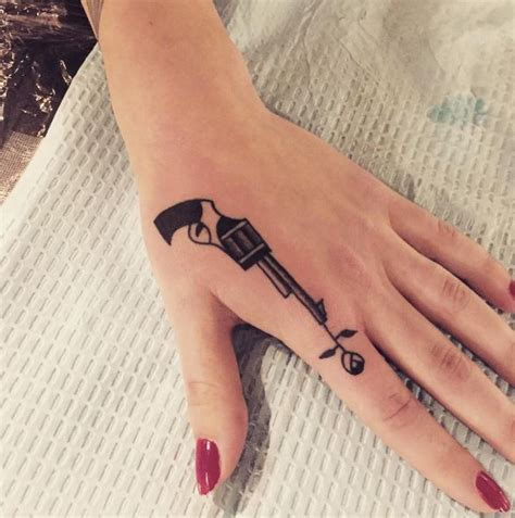 can you tattoo your hand top 50 best hand tattoos designs for men and women 2017