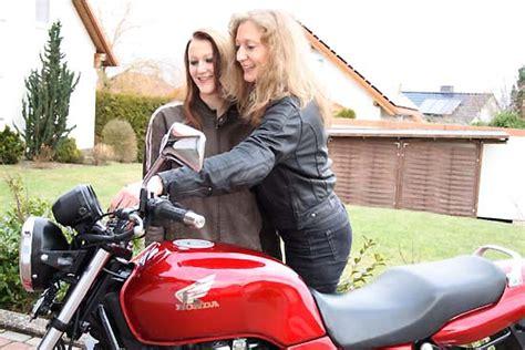 Verkehrs Bungsplatz Motorrad D Sseldorf by Fahrertraining F 252 R Motorradfahrer Tipps F 252 R Den Start In