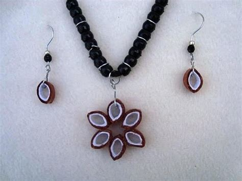 how to make jewelry pendants jewelry construction paper pendant necklace and