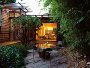 Small Backyard Privacy Ideas Triyae Landscaping Ideas For Small Backyard Privacy Various Design Inspiration For Backyard