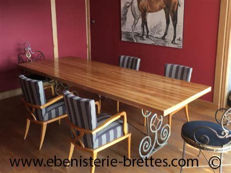fabricant de table rectangulaire de repas au pays basque