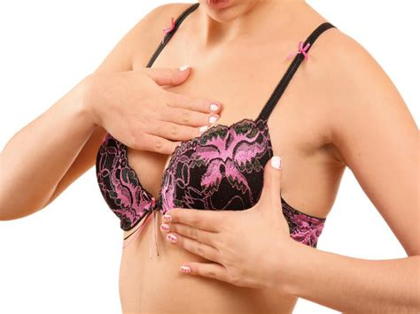8 Dangers Of Breast Implants by Health Risks Of Breast Implants Boldsky