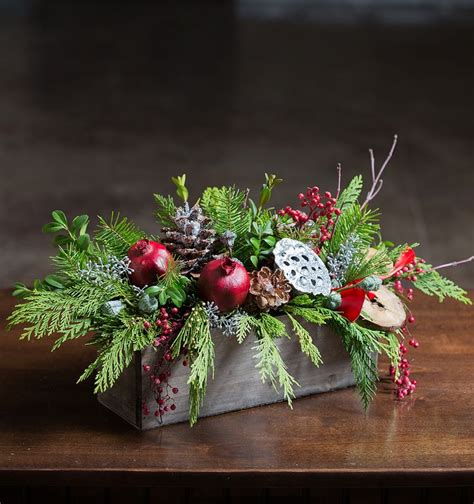 winter berry centerpiece christmas country pinterest