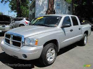 2006 dodge dakota slt cab 4x4 in bright silver