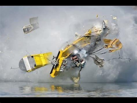 boat wrecks youtube speed boat crashes youtube