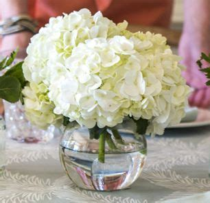 simple centerpieces for tables 25 best ideas about pink hydrangea centerpieces on