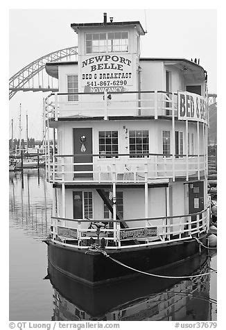 newport oregon bed and breakfast black and white picture photo newport belle floating bed