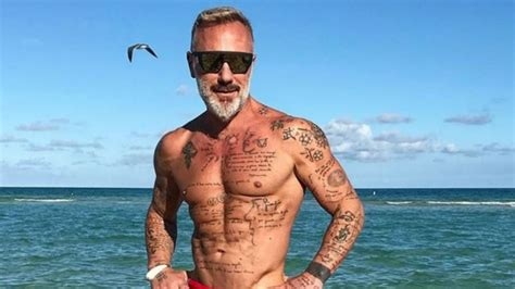 Imagenes De Hombres Con Camisa Enseando Verga Actores Desnudos Cromosomax Las Mejores Fotos De Famosos Que Bendecidos Quot Con Su Pene Grande Fotos Revista Ronda