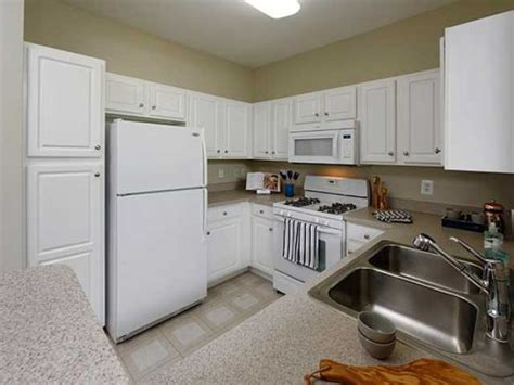 2 bedroom apartments in rockville md avalon at traville rentals rockville md apartments com
