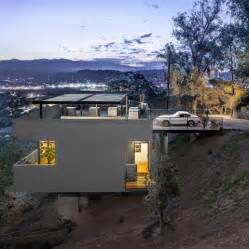 Houses Built On Slopes Modern House On Stilts Steep Slope Architecture Building