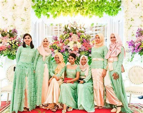 Baju Kebaya Pesta Wanita 19 model baju kebaya pesta khusus untuk wanita berhijab