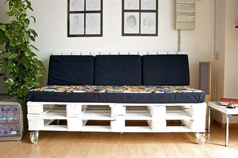 Sofa De Pallet by 13 Diy Sofas Made From Pallet 99 Pallets