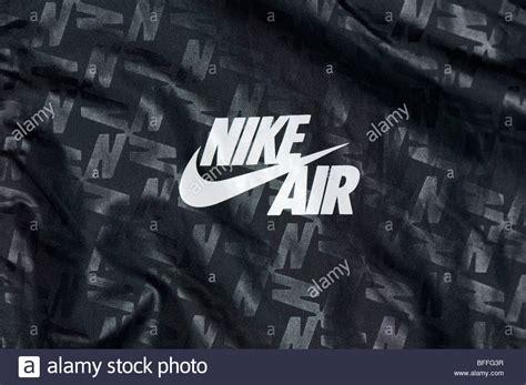 Nike Air Logo nike windrunner nike tick air logo on front of mens