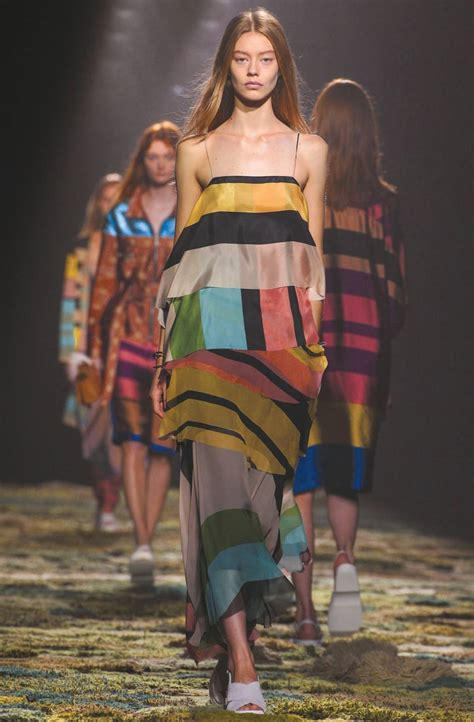 A Must The New Collections At The Fashion Gallery by Eight Looks From The Fashion Collections And