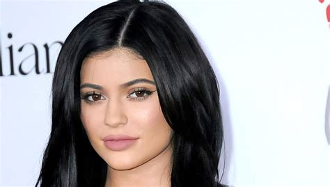 biography of kylie jenner kylie jenner biography earnings age height body