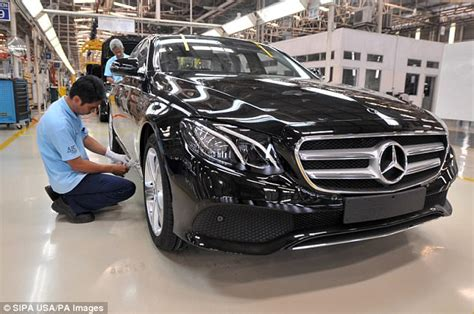 airbag deployment 2000 mercedes benz e class on board diagnostic system mercedes benz recall 400 000 cars over air bag fault daily mail online