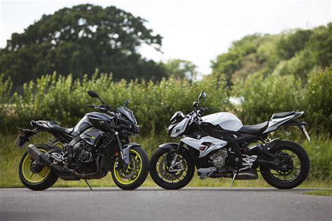 Felgenaufkleber S1000r by Back To Back Test Yamaha Mt 10 Vs Bmw S Visordown
