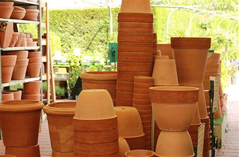 Vasi In Terracotta Da Giardino by Vasi Da Esterno Il Germoglio
