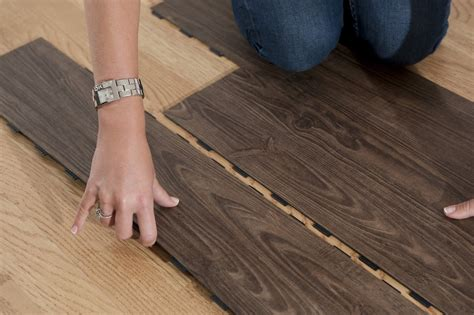Vinyl Plank Flooring Vs Laminate Looking On The Debate Of Vinyl Plank Flooring Vs Laminate