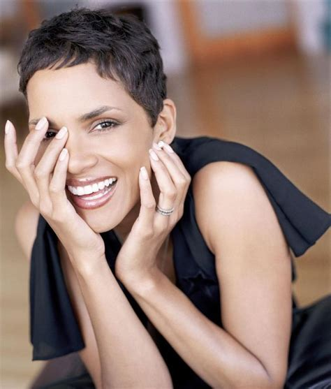 holly berry hairstyles in 1980 1000 ideas about halle berry haircut on pinterest buzz