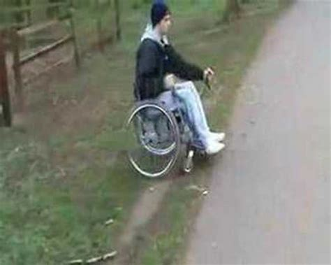 one arm wheelchair lever drive wheelchair that can be driven with one arm