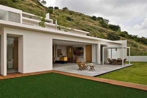 buy modern house 13 of the most luxurious futuristic and unique modern homes money can buy