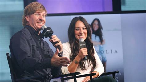 chip and joanna gaines joanna gaines of fixer upper has gone bonkers can chip