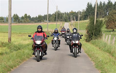 Motorrad Einfahren Sozius by Fahrertraining F 252 R Motorradfahrer Quot Fahr 252 Bungen Im Alltag