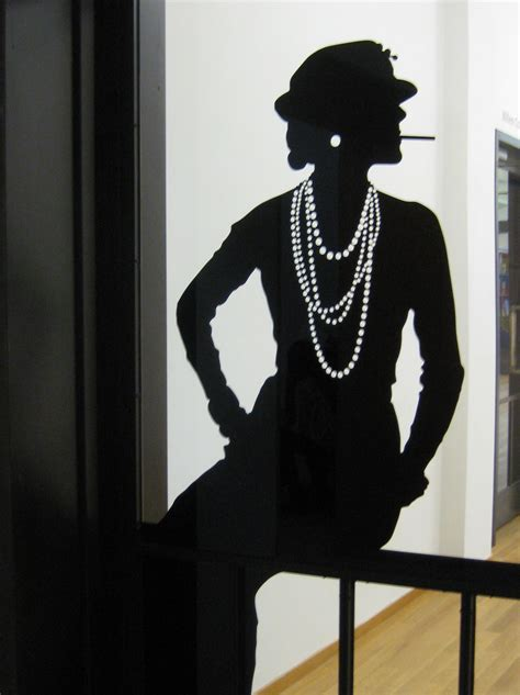 To Chanel Or Not To Chanel by File Coco Chanel Tentoonstelling Jpg