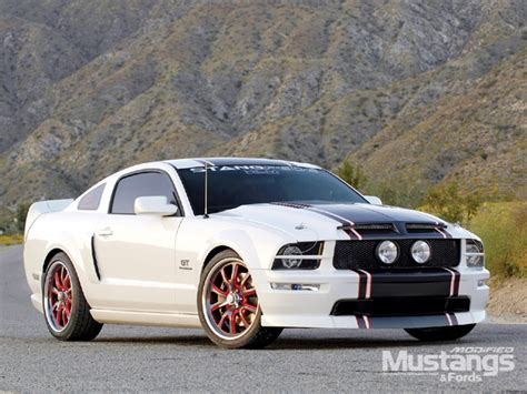 2006 Mustang GT White Five Speed   Modified Mustangs & Fords