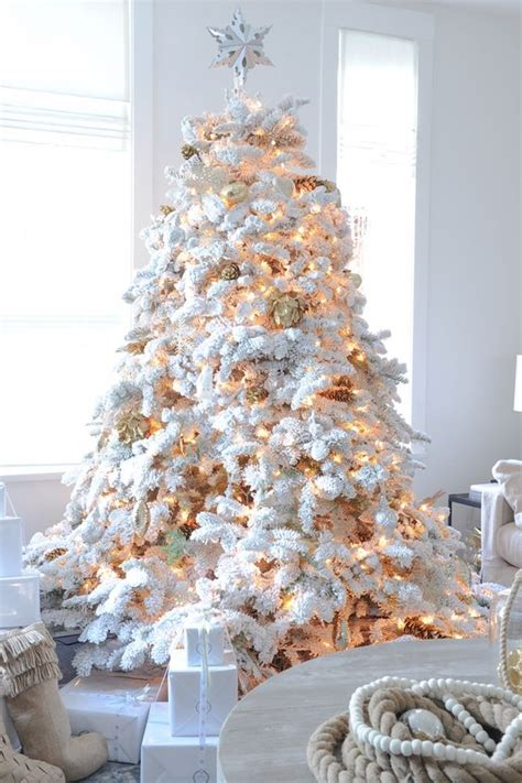 30 dreamy flocked christmas tree decoration ideas