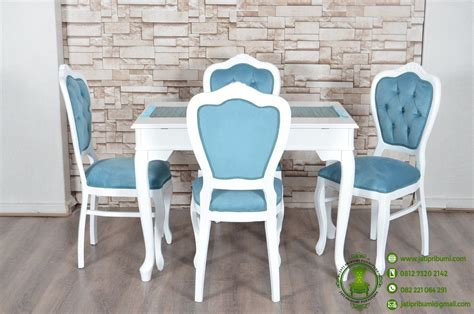 Meja Makan Putih model meja makan minimalis di ruang makan jati pribumi