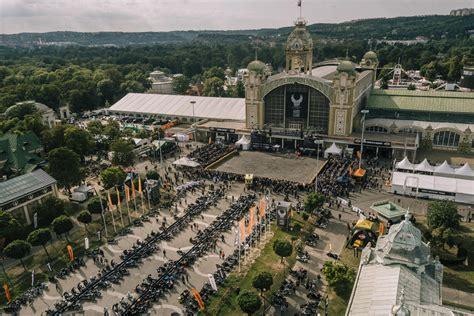 Motorrad Mieten Prag by Harley Davidson Feiert 125 Jahre Bestehen