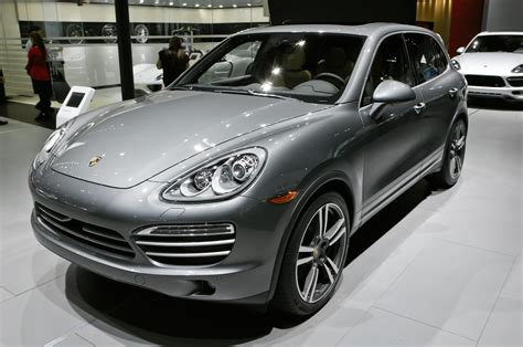 porsche cayenne 2014 black 2014 porsche cayenne platinum edition debuts on v 6 gas