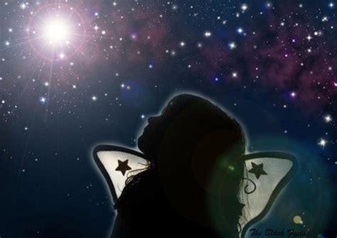 imagenes tristes mirando al cielo siento luego existo mirando al cielo