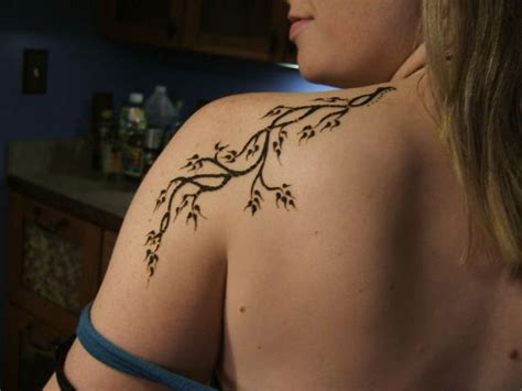 simple tree tattoo designs 51 creative henna designs