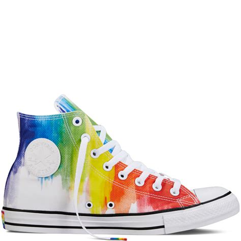 Rainbow Schuhe Spitze by Rainbow Tie Dye High Tops From Converse S Pride Collection