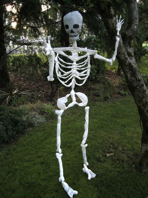 Skeleton Decoration by Indoor Outdoor Skeleton Decorations Ideas