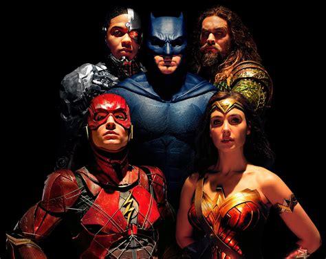 film justice league dibuat quels comics de justice league lire avant d aller voir le