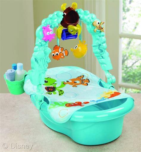 Nemo Baby Bathtub Disney Baby Finding Nemo Bathtub And Robe Launch In Stores