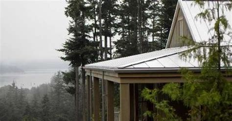 Roof With Four Sloping Sides Gable Roof Combines A Hip Roof With Four Sloping
