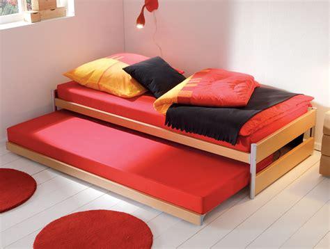 bett 30 cm hoch ausziehbett mit ober und unterbett in kombination tom