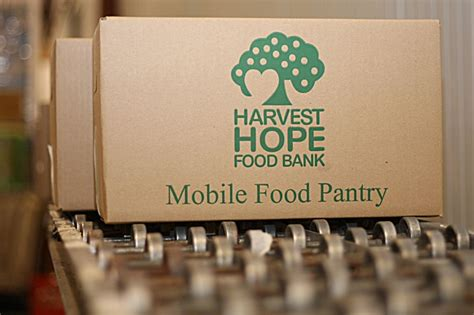 Food Pantry Columbia Sc by Community Pitches In To Help Harvest Meet Critical