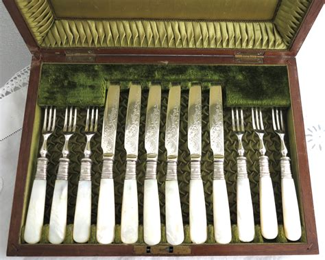 Velvet Dagger Plate antique cutlery 6 fruit forks and 6 knives by cardcurios