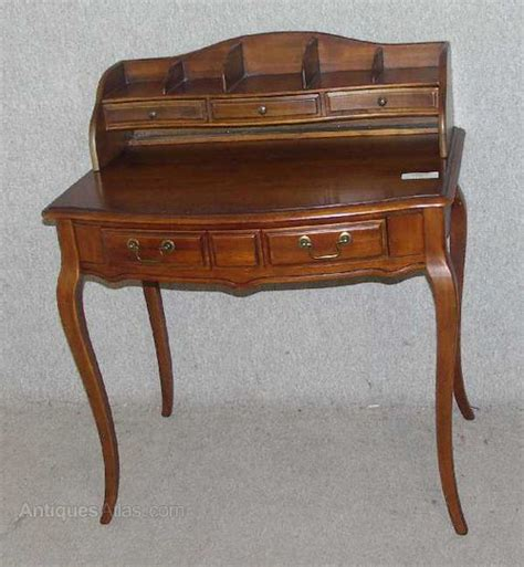 antique ladies desk for sale antiques atlas ladies walnut writing desk