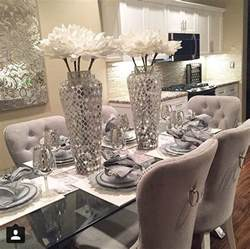Dining Room Table Setting Ideas by 25 Best Ideas About Dining Table Centerpieces On